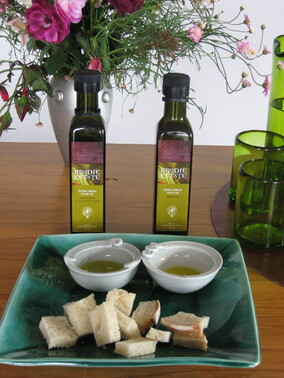 Fresh and fruity Grove Olive Oil